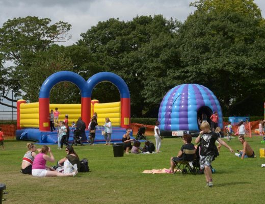 How To Earn A Big Buck In Bouncy Castle Business