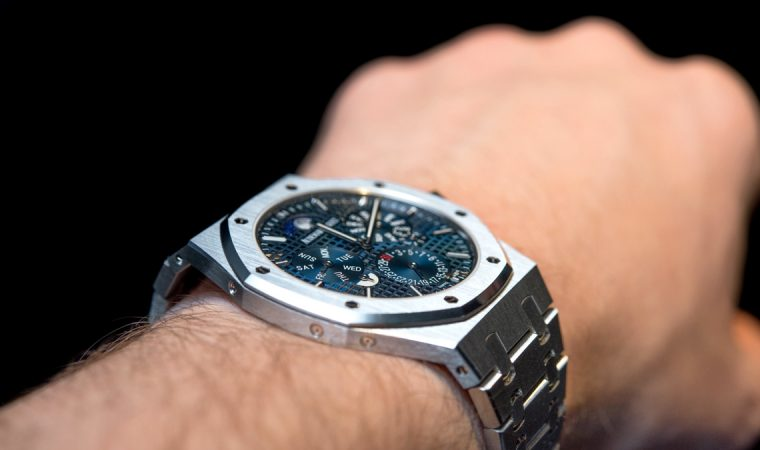 Why Many Watch Lovers Prefer Buying Used Pieces Over New Ones