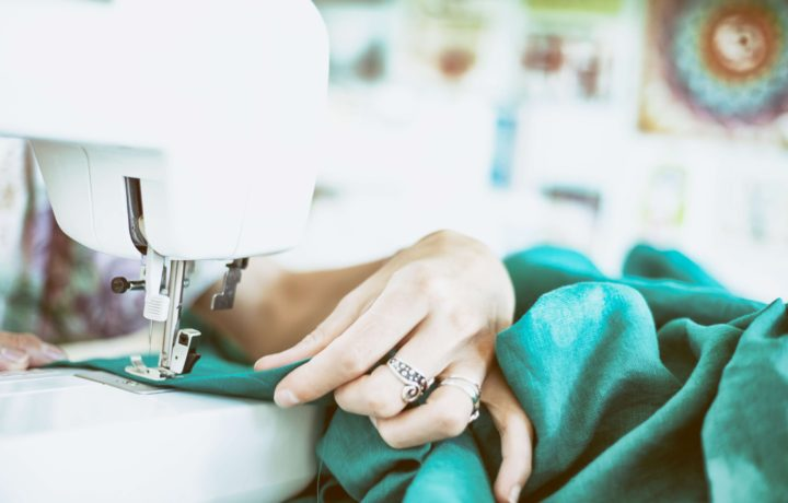 Get The Right Sewing Machines To Hassle Free Stitching